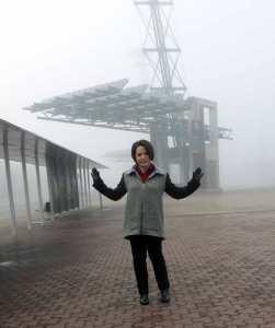 b6062-coat-hands-fog